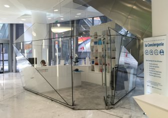 Study of a glass airlock to the concierge of the Societe Generale Tower in Paris